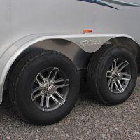 Horse-Bumper-Pull-724-ST-12-Aluminum-Wheels