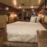 Exiss-Endeavor-8312LQ-Bed-in-nose