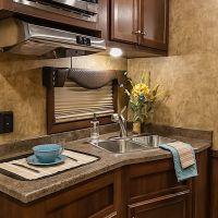 Exiss-Endeavor-8312LQ-Kitchen-2