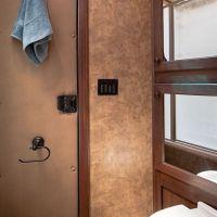 Living-Quarters-Escape-7306LQ-Bathroom