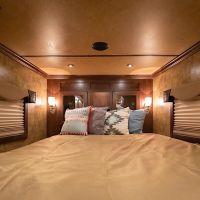 Living-Quarters-Escape-7306LQ-Bedroom